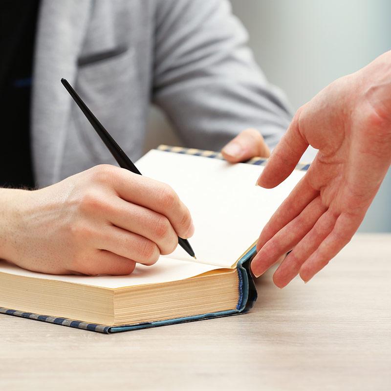 12 ottobre – Aperitivo con l'autore